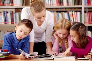 bambini-che-studiano-large