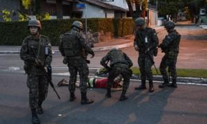 I soldati pattugliano le strade vuote di Vittoria (oglobo.com)