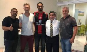 La foto postata sul sito del Boa Esporte che ha fatto indignare i social e i fan della squadra di calcio (oglobo.com)