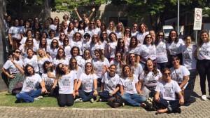 Un centinaio di dipendenti di Globo tv indossa la maglietta di protesta contro le molestie maschili (elpais.com)