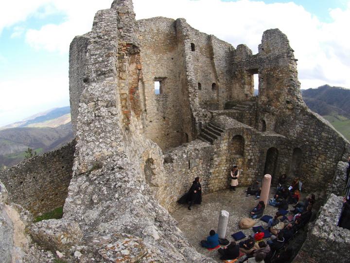 Una degli spettacoli al Castello di Canossa