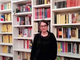 Valentina Azzarone, Milano, vive di libri, ma non si sente riconosciuta nel suo lavoro