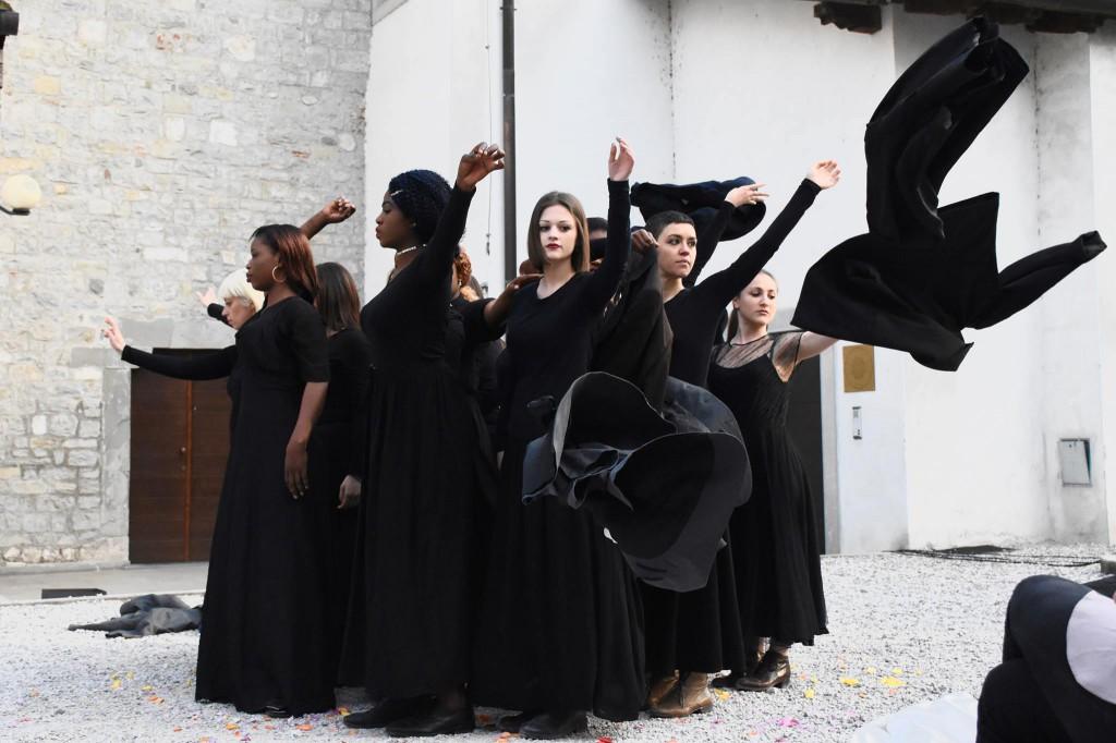 """""""Il confine è una linea immateriale"""", spettacolo andato in scena nei giorni scorsi a Cividale del Friuli"""