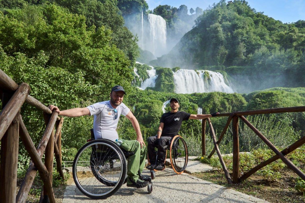 Luca Paiardi e Danilo Ragona in una tappa del loro viaggio