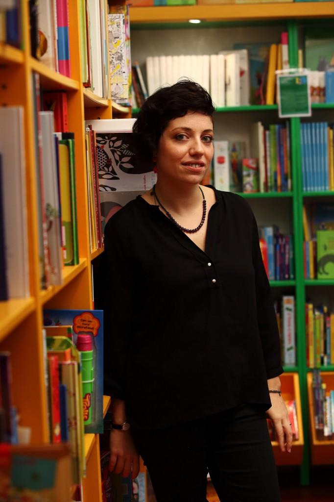 Antonella De Simone nella libreria di Centocelle