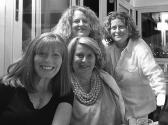 Sandra Bonsanti con le figlie Monica, Alina e Lidia