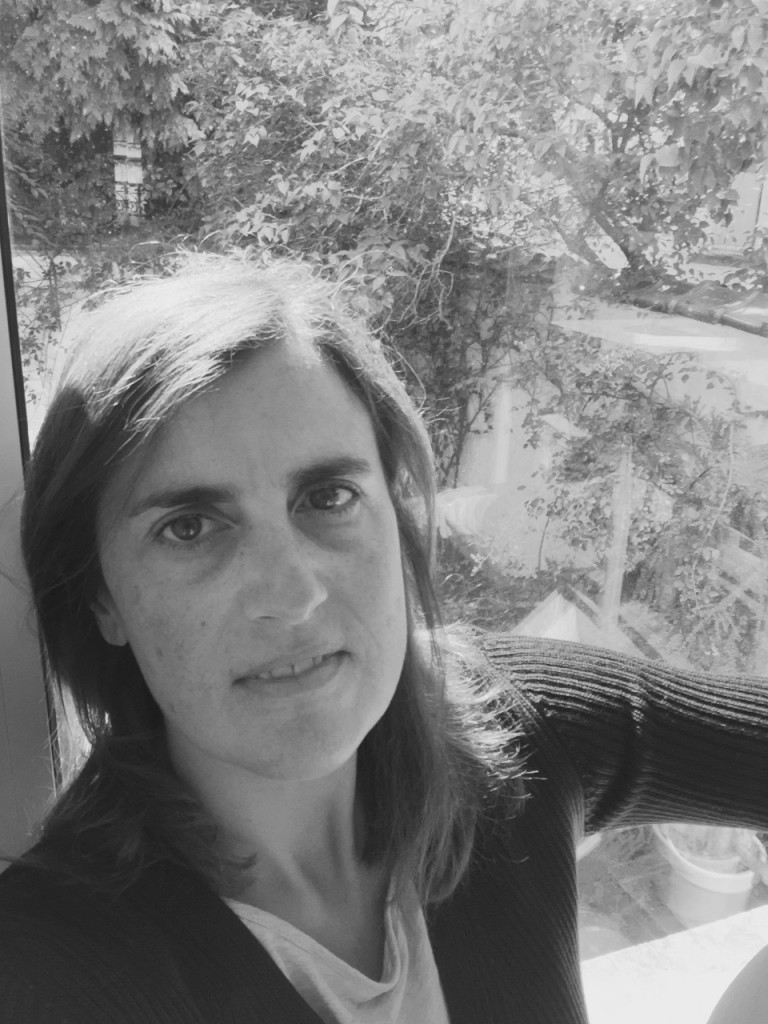 Emanuela Vespa vive e lavora a Bruxelles