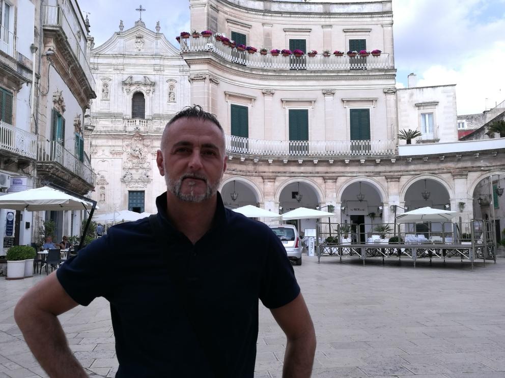 Alessio Bellini vive a Santa Croce sull'Arno