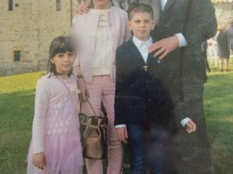 Veronica con il marito Giovanni e i figli Elettra e Alessandro