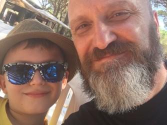 Daniele con il figlio di sette anni che ama la baby dance
