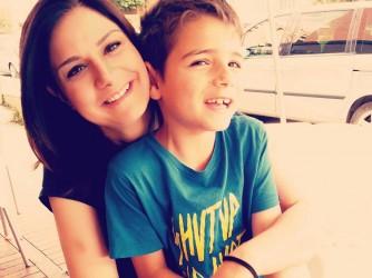 Claudia con il figlio Alessio, 9 anni