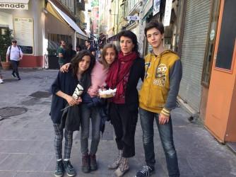 Paola con i suoi tre figli