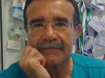 Francesco Corcione, chirurgo, lavora a Napoli
