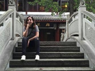 Claudia quando lavorava in Cina