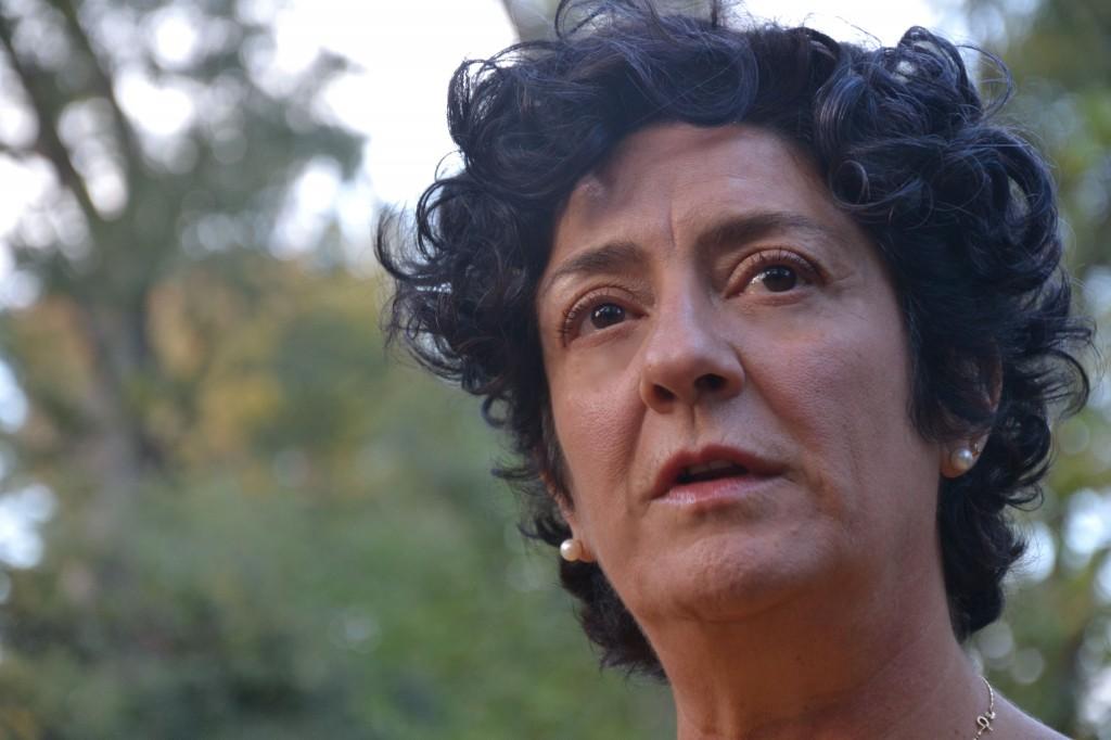 Quella che racconta Armanda è una storia di immigrazione dove tutto è al rovescio