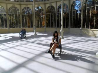 Caterina in una foto che rcconta pace, ma anche solitudine