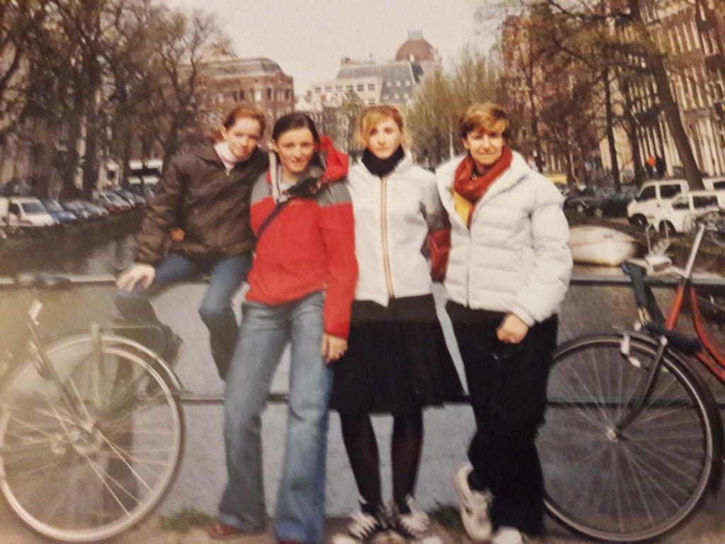 Chiara con le figlie Laura, Giulia e Francesca ad Amsterdam