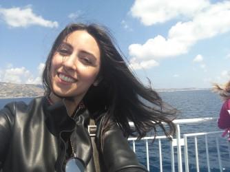 Abra ama viaggiare in treno verso la Sicilia