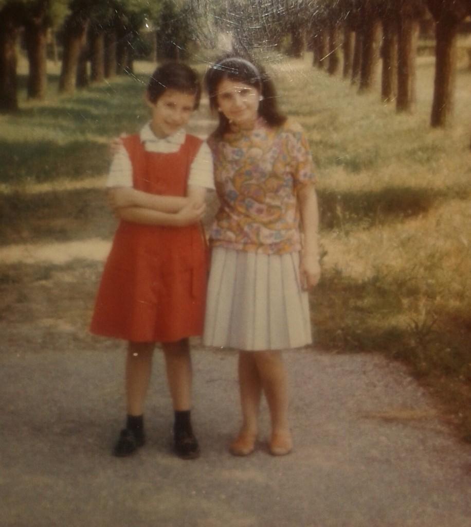 Giuseppina e la madre sembrano due bambine