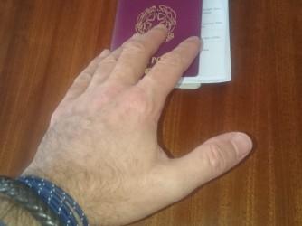 Francesco torna in Italia, ma vorrebbe che lo seguisse anche la sua famiglia