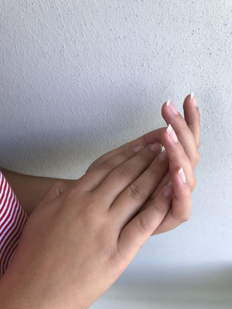 """""""Le mie mani - dice V. - sono un elemento decisivo della mia storia"""""""