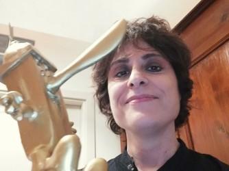 Anna Paola con il Pinocchio del premio