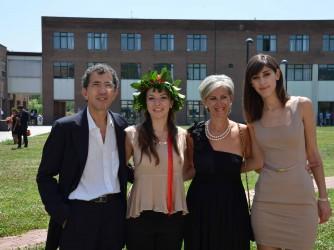 Fernando con la moglie e le due figlie