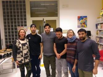 Gli allievi Maroof, Masoud, Mohamed e Akramjam von le loro terapeute Mariangela Pacorig e Sara Hoban