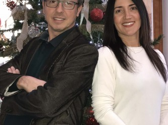 Marco e sua moglie Ella nella foto degli auguri di Natale