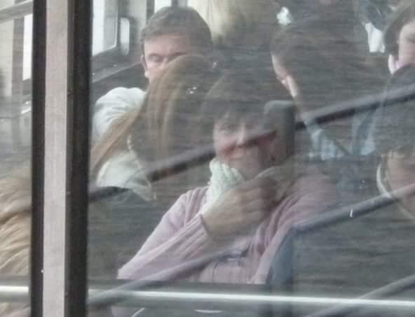 Maria Grazia in autobus, è una grande osservatrice