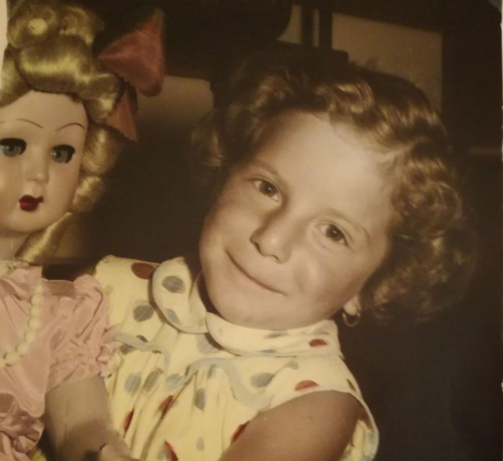 Angelica De Santis quando era alunna di quelle che allora si chiamavano Elementari
