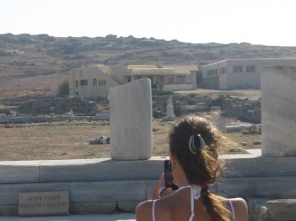 Anna durante in viaggio alle Cicladi