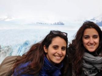 Linda, a destra, e Ilary in Argentina, nel 2014 durante il loro viaggio post laurea