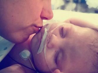 Laura con suo figlio Stefano nelle prime settimane di vita