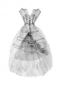 M_X-ray photograph of evening dress, silk taffeta, Cristóbal Balenciaga, Paris, 1954. X-ray by Nick Veasey, 2016 © Nick Veasey