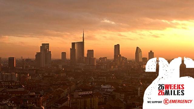 La skyline di Milano all'alba