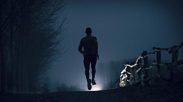 correre nel buio