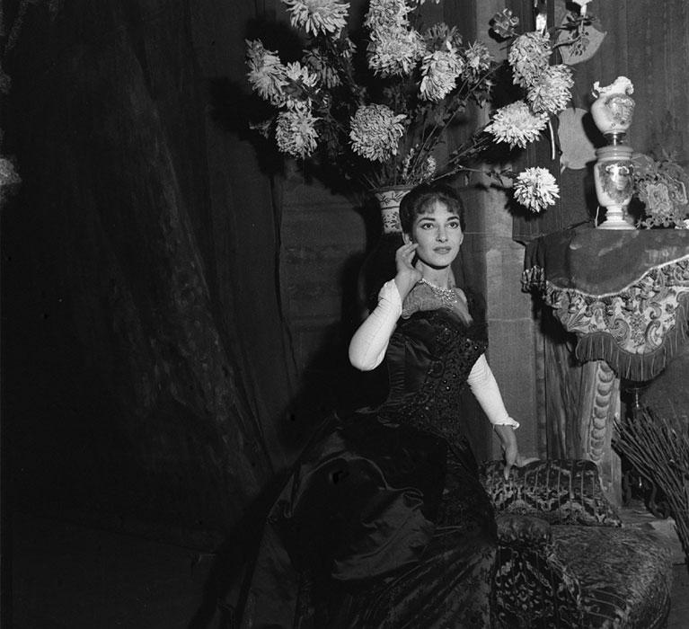 Maria Callas in 'Traviata' nel 1955 (foto di Erio Piccagliani)