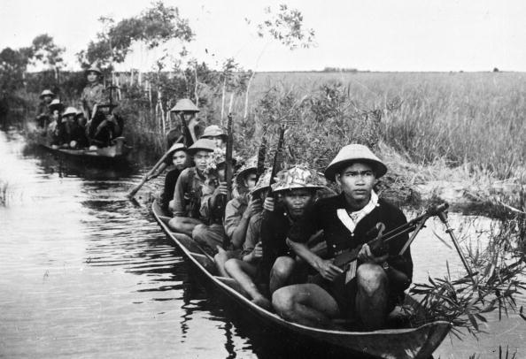 1968 Vietnam guerriglieri-orig
