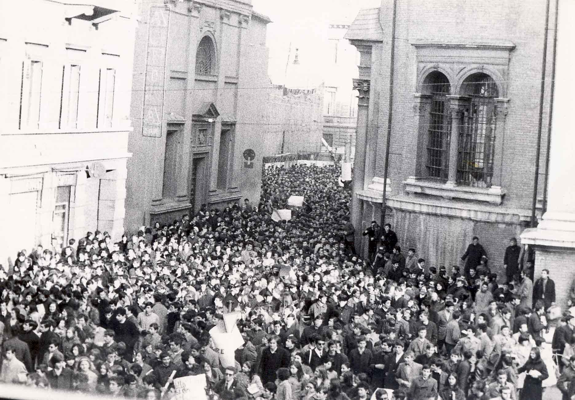 StudentiNovembre1968SteccataFerraguti
