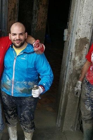 Damiano Iulio durante i giorni dell'alluvione al Montanara