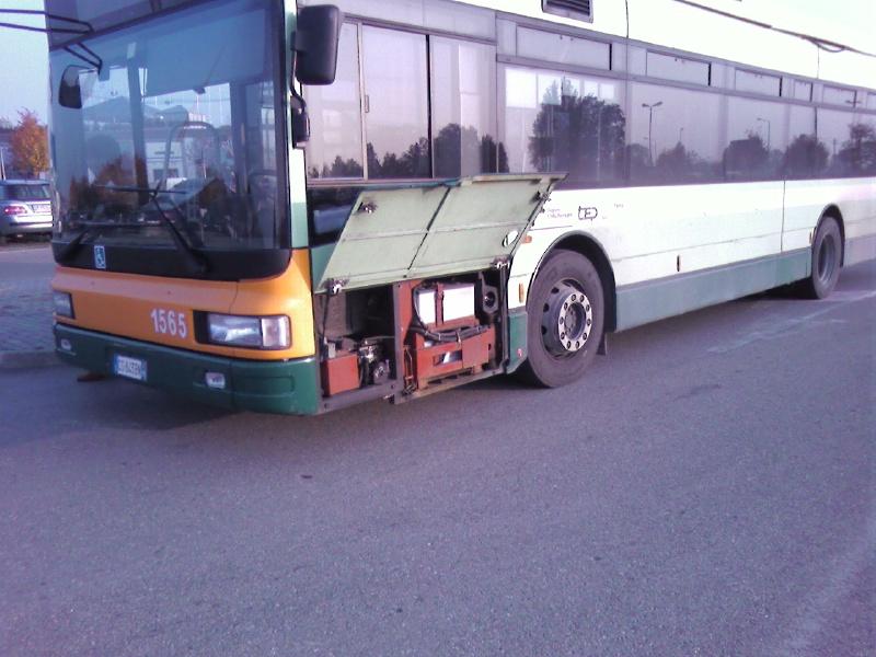 Autobus guasto motore1