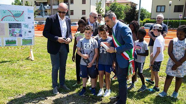 2018 06 21 Pizzarotti Alinovi Prima pietra Parco giochi San Prospero-2
