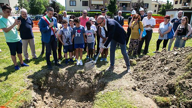 2018 06 21 Pizzarotti Alinovi Prima pietra Parco giochi San Prospero-4