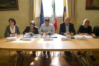 Firma protocollo Ausl 11 maggio 2015-4