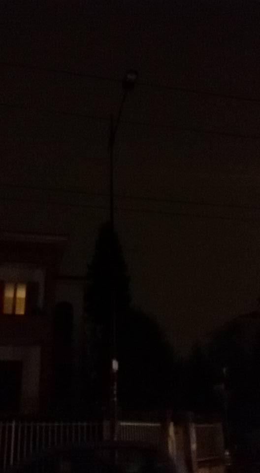 lampione-spento-via-zarotto
