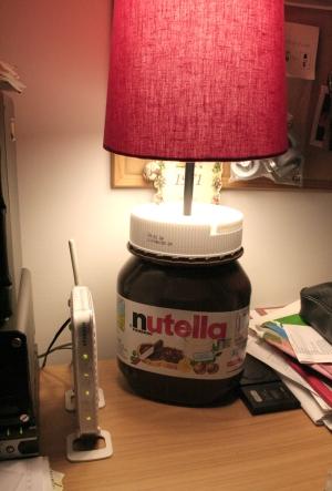 Riciclo e riuso le vostre idee la lampada nutella io for Arredare casa riciclando