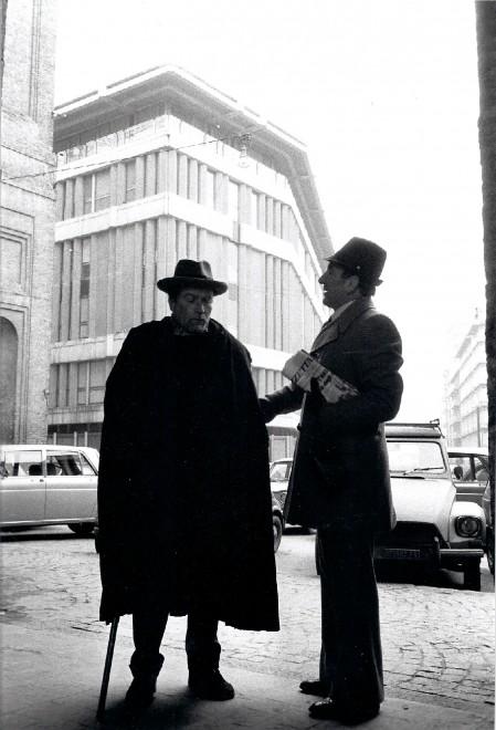 """In questa foto di Gioovanni Ferraguti Ilari e Sciacco 8a destra) nel 1975 durante le riprese del film """"Di Verdi si muore"""" diGiovanni martinelli"""