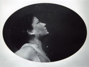 "Una fotografia di Ingrid Simon, tra le artiste coinvolte da DamageGood per ""I nuovi linguaggi fotografici"""