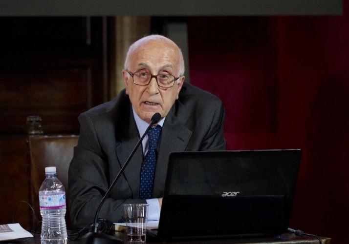 Giuseppe Appella, storico dell'arte di lungo corso. Ha fondato e dirige il MUSMA di Matera ed è autore di numerose pubblicazioni, tra cui il catalogo generale della scultura di Antonietta Rahael Mafai, in corso di pubblicazione per Allemandi Editore.
